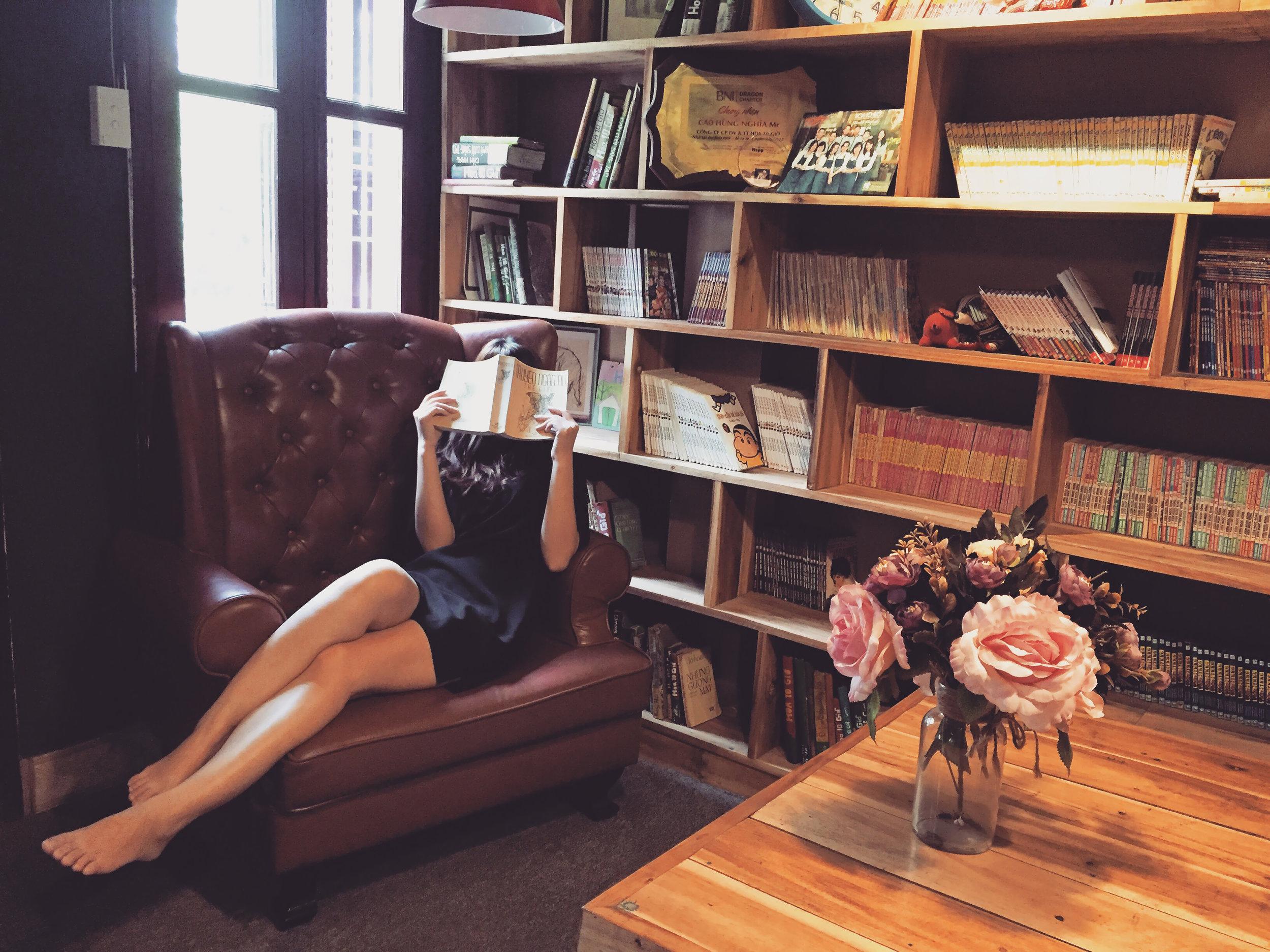 femme qui lit.jpg