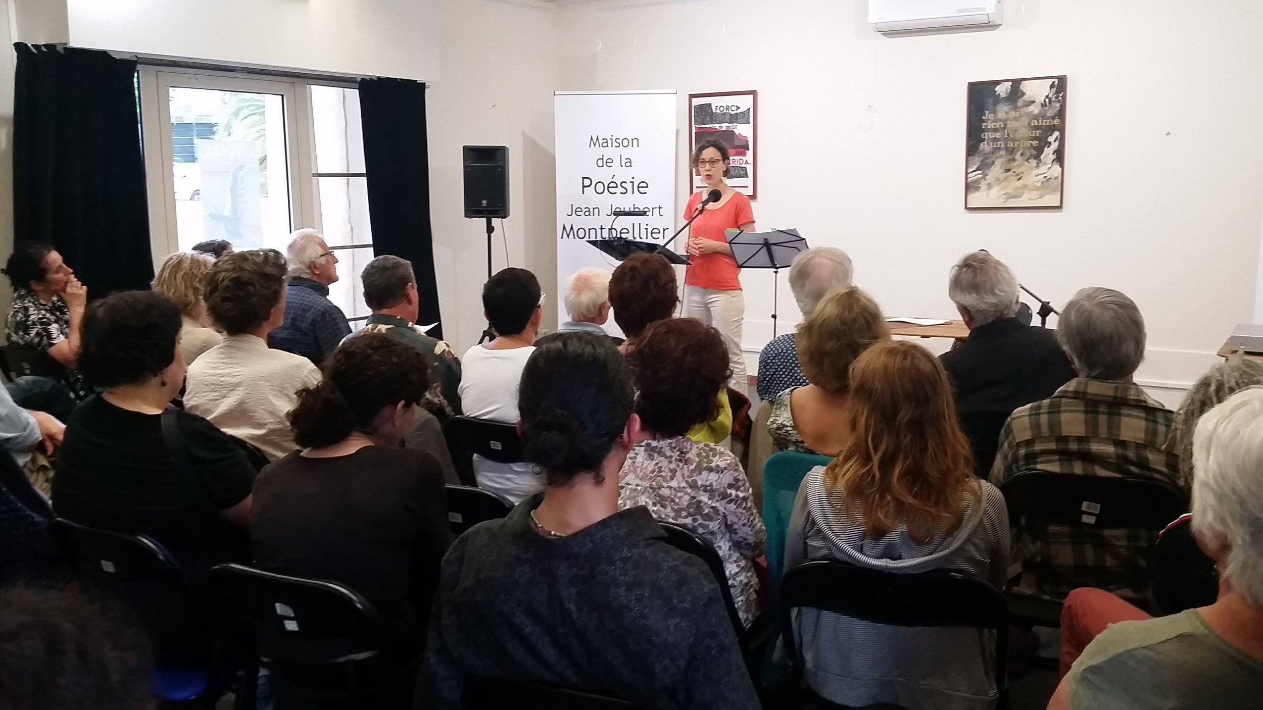 """Lecture du recueil sélectionnés lors des """"Nouvelles Voix d'ici"""" à la Maison de la Poésie Jean Joubert de Montpellier, le 12 juin 2018"""
