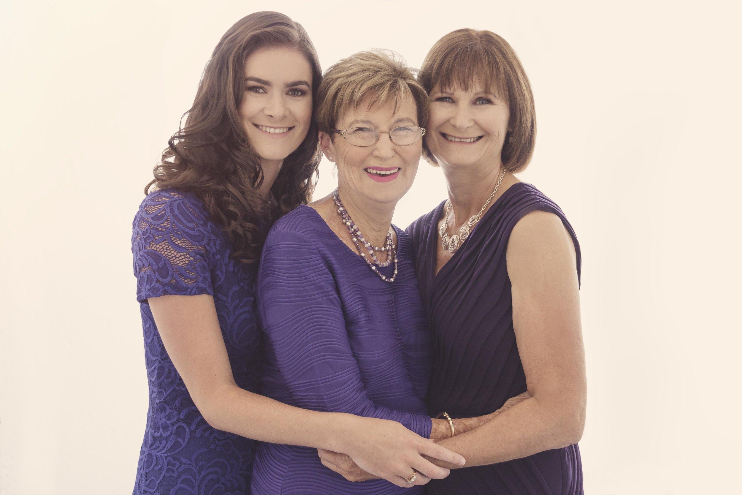 sarahlee-studio-three-generations