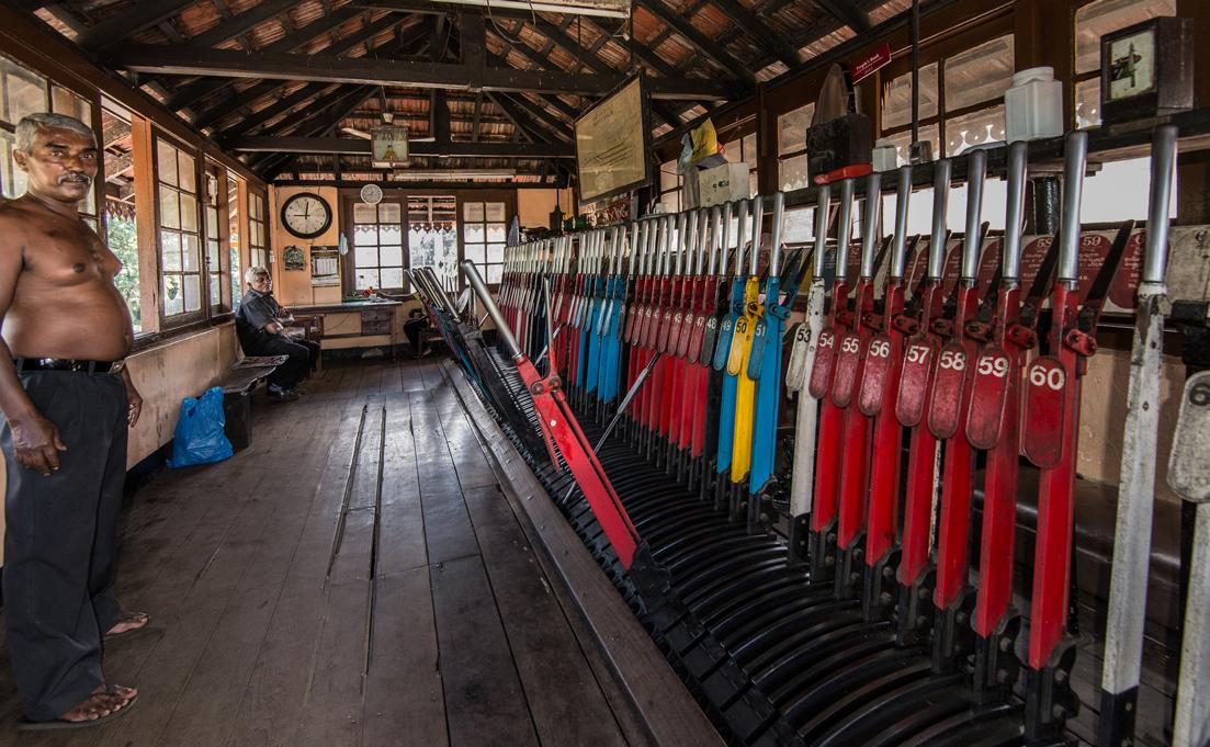 StefanZieglerPhotograpy_Sri Lankan Trains-2.png