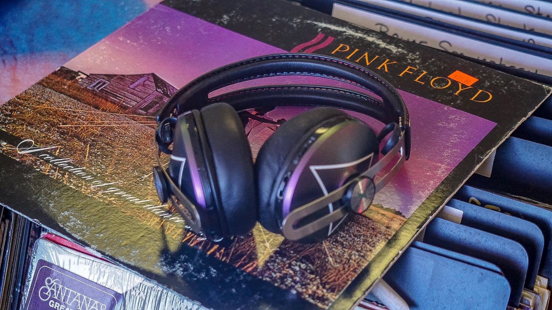 The HD 1 Wireless edition celebrating The Pink Floyd Exhibition: 'Their Mortal Remains   '