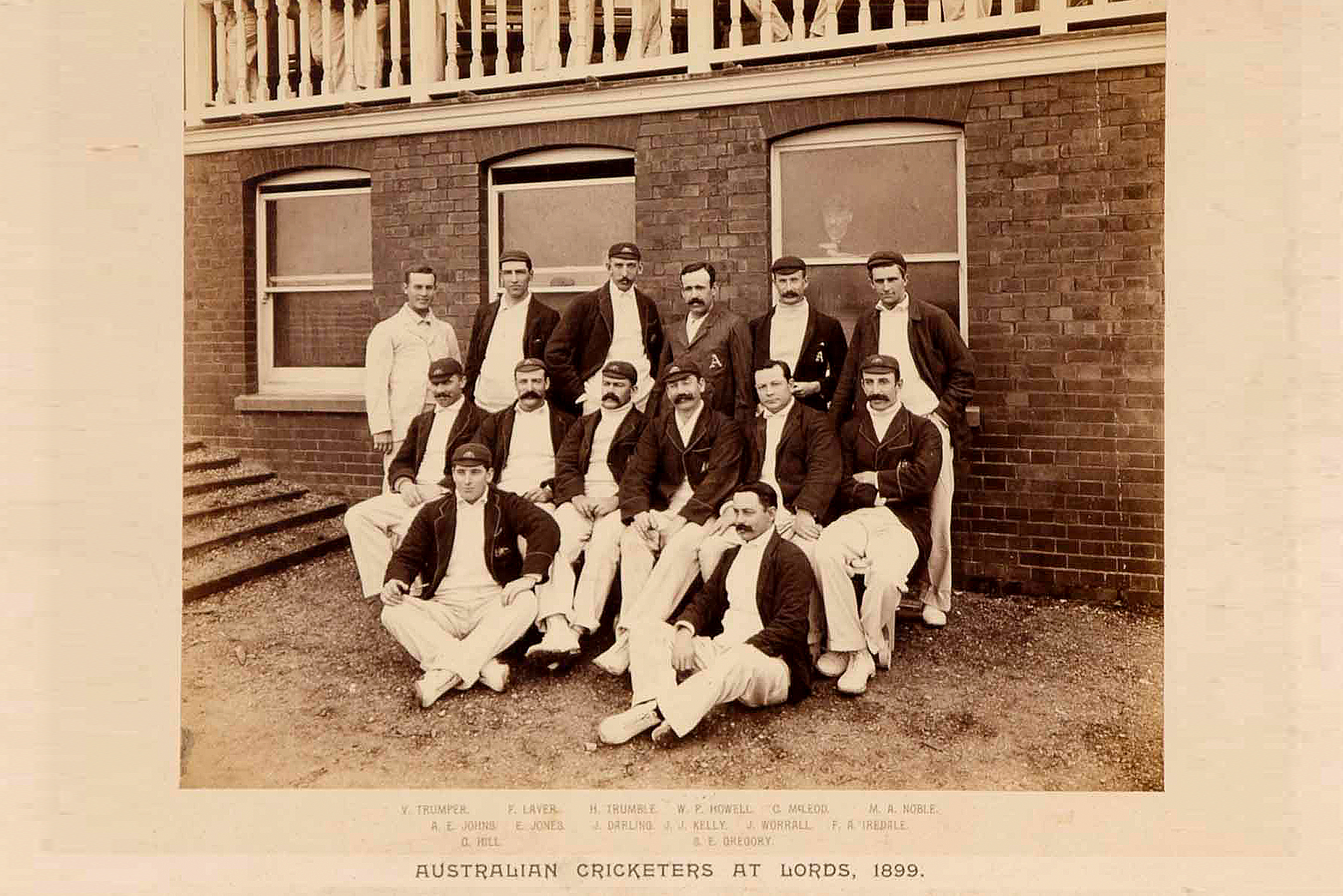 Historically green and gold were first used by the Australian cricket team that toured England in 1899. The uniforms consisted of a green cap, known today as the 'baggy green' and green blazers detailed with a gold coat of arms.