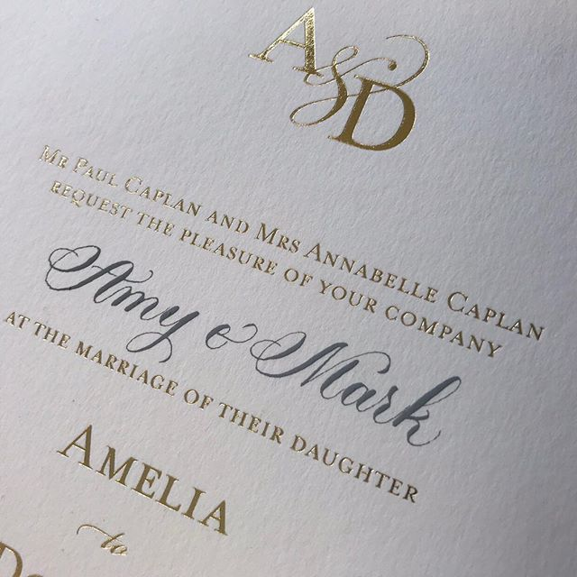Grey ink is one of my favourite colours to write with. I'm finding that Im being asked to write poems in grey more and more and this grey on this stunning gold @emilyandjo invitation goes very nicely 👌 . . . . . . . . . . #pointedpen #pointedpencalligraphy #weddinginvitations #goldfoil #luxuryweddinginvitations #luxuryweddinginvitationsuk #fluidcalligraphy #pointedpen #copperplate#calligraphy #weddingstationery #dailydoseofpaper#pointedpen#papergoods#calligraphy#handlettering#handlettered#weddingstationary#weddingcalligraphy#handtype#handwritten #makersmovement#thatsdarling#curiouscalligrapher  #papergoods #wedding #calligrapheruk#calligraphyuk #weddingcalligrapher#weddingcalligraphylondon