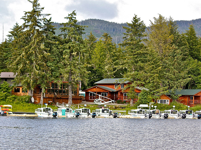 THE FIREWEED LODGE, KLAWOCK. FAMILY FRIENDLY, FULL SERVICE INCLUDING CAPTAINED BOATS FOR WHALE WATCHING ETC. IMAGE: FIREWEED LODGE.