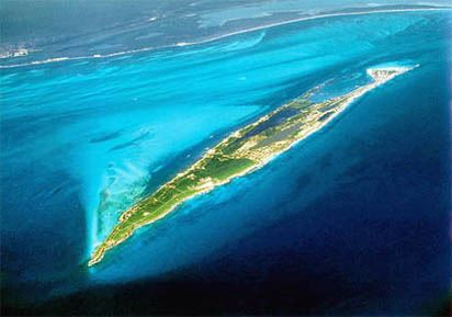 THE ENTIRE ISLAND OF ISLA MUJERES IS ONLY 425 SQ. M (1104 SQ. K) IMAGE: JOHN VATER, CEVICHE TOURS