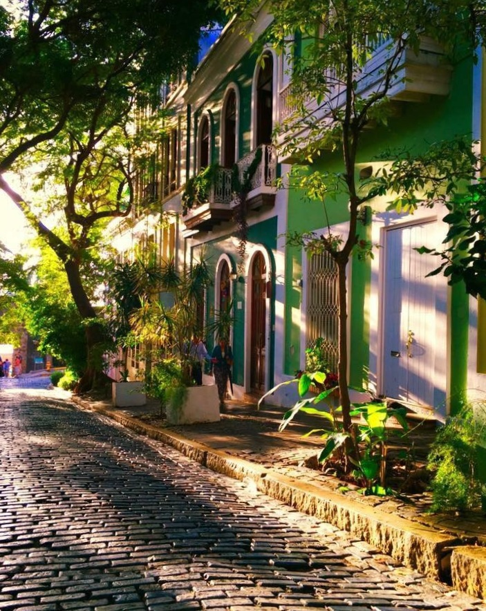 OLD TOWN SAN JAUN IS ONLY A SHORT DRIVE AWAY FROM YUQUIYU. IMAGE: THANKS TO THE  ©PUERTO RICo HISTORIC BUILDING DRAWING SOCIETY  AND MIRIAN DE LA CRUZ, GUILIA ARGENTINO AND LOURDES VELESCO.