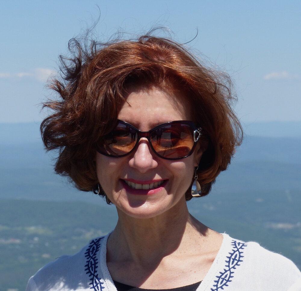 ROBERA KRAVETTE, EDITOR, NATURE LOVER