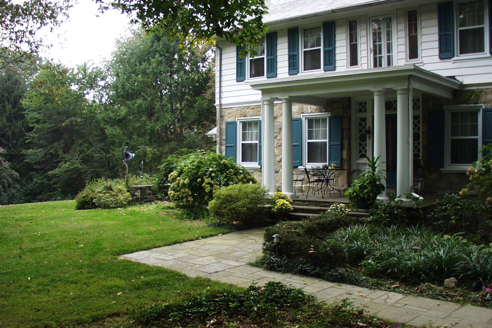 phila-gardening-company-landscaper.jpg