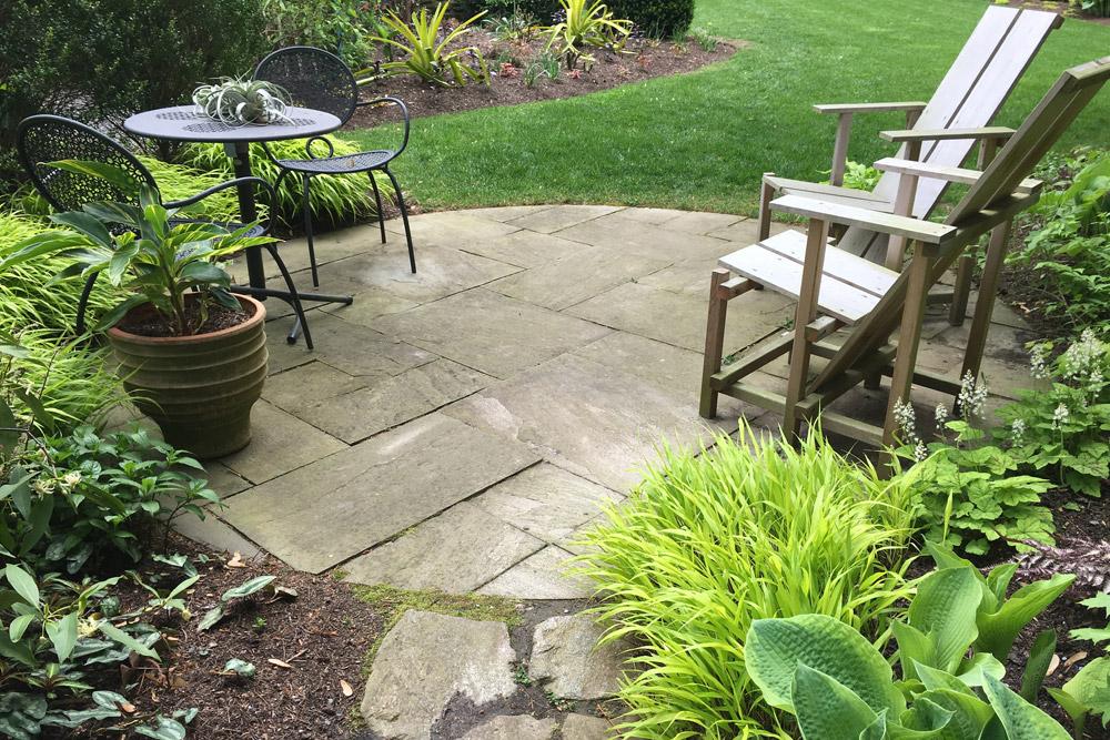 circular-flagstone-patio-path.jpg