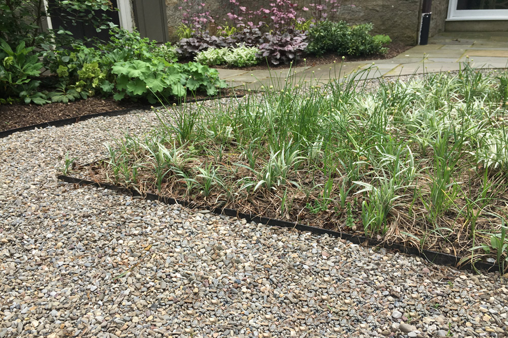 edging-landscapes-gravel-landscaping.jpg
