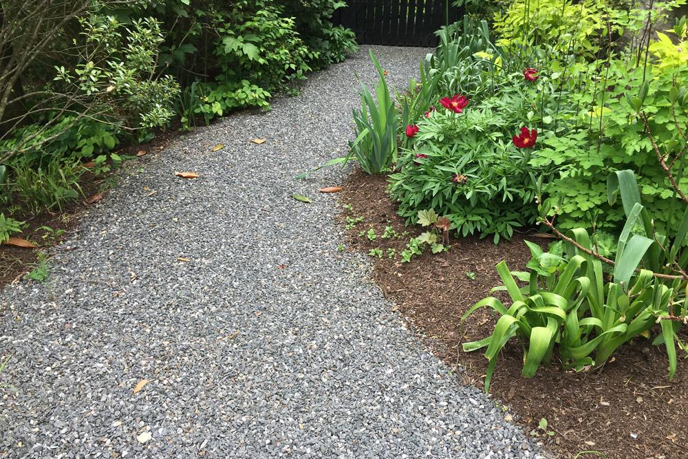 graveledging-landscaping-pathway.jpg