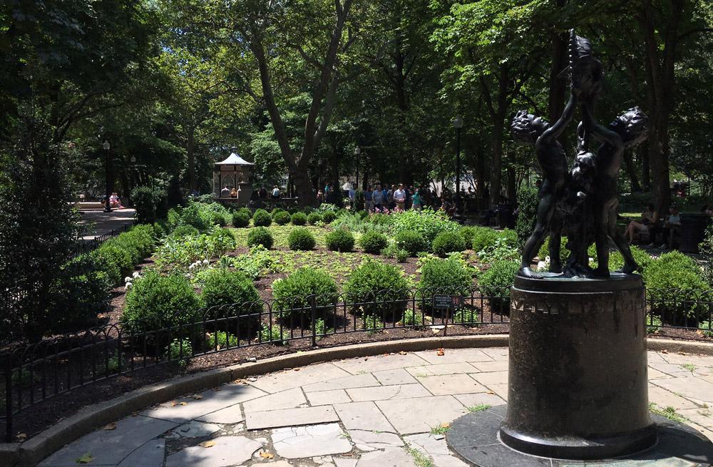 Rittenhouse-Garden.jpg
