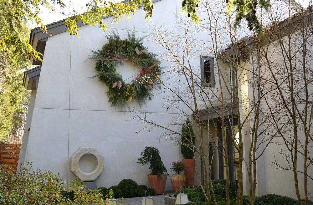 holiday-wreath-philadelphia-christmas.jpg