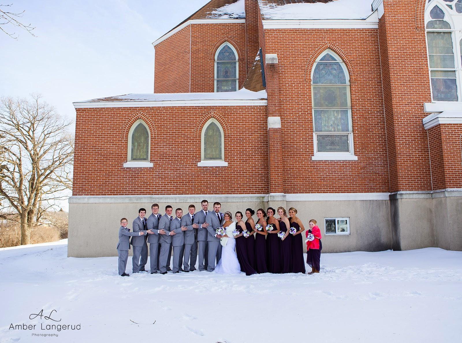 Frazee, MN Valentines Day Winter Wedding | Amber Langerud Photography