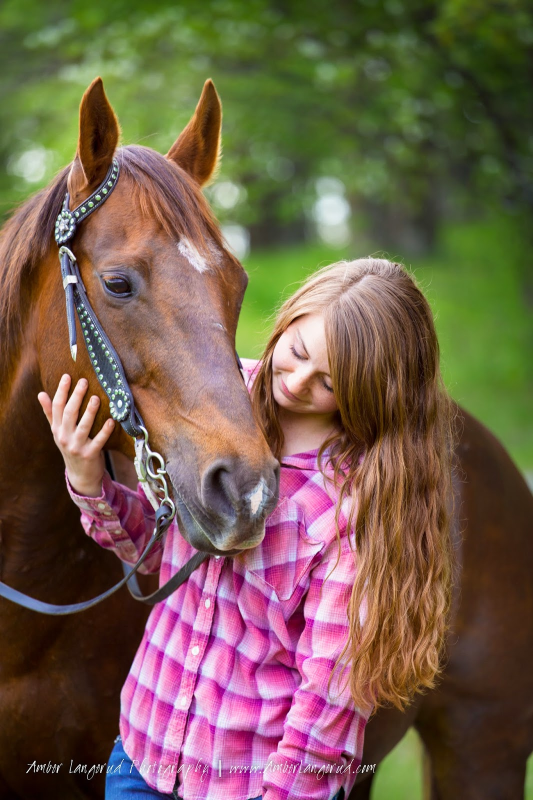 Detroit Lakes, Fargo/Moorhead Photographer | High School Senior A Girl and Her Horse Photography