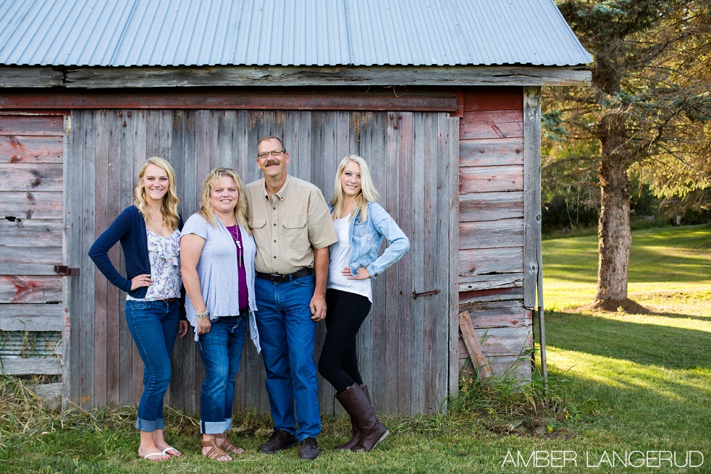Country Styled Fall Family Pictures | Detroit Lakes Area Family Photographer