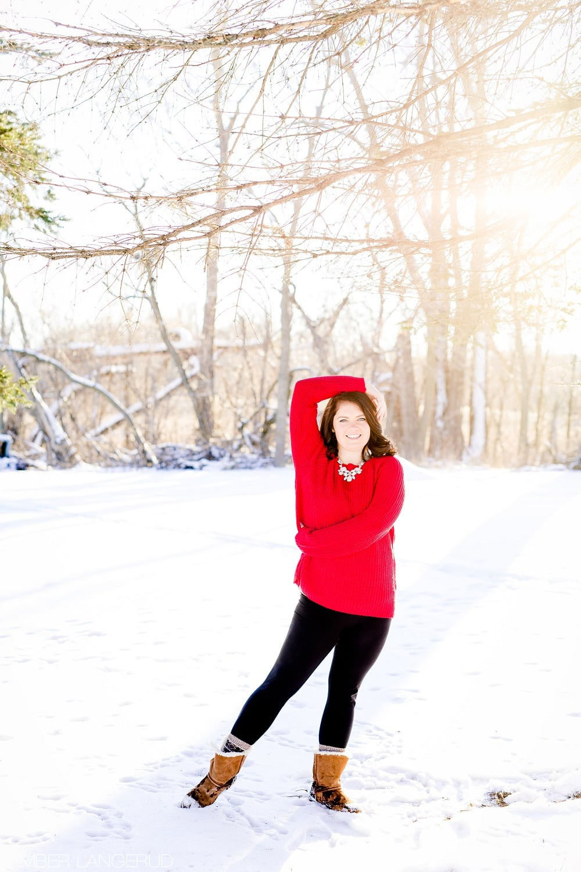 Audubon, MN Outdoor Winter Portraits | Red Sweater & Snow