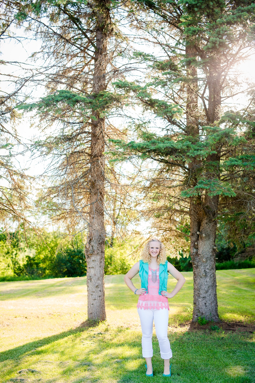 Outdoor, Country Styled High School Senior Pictures by Amber Langerud Photography | Audubon, MN | Environmental portrait