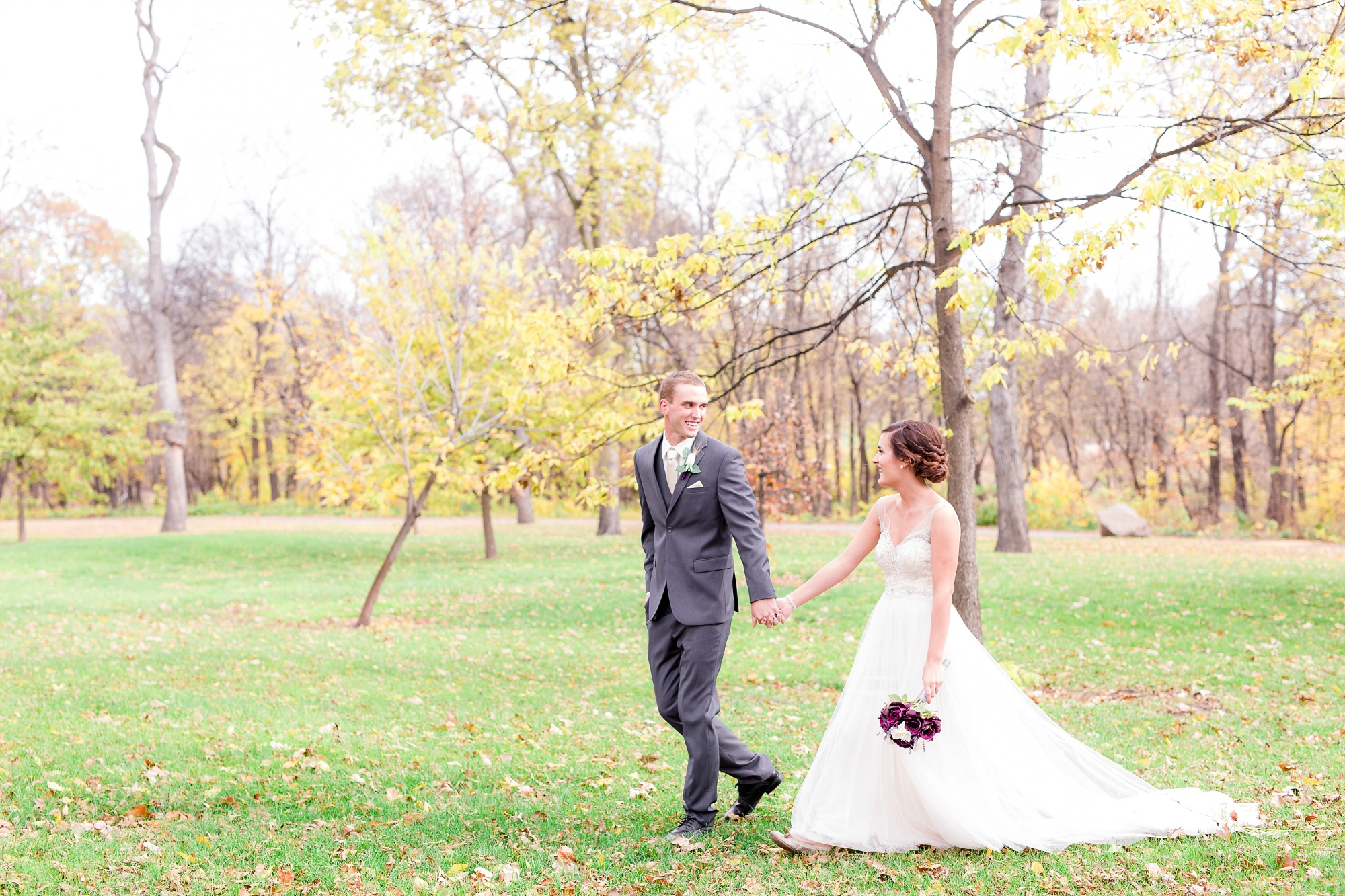 Classy, Rustic Styled Fall Wedding at the First Congregational Church of Christ and the Cambria Hotel & Suites in Fargo, ND | Portraits at Lindenwood Park | Dani & Alex | Photography by Amber Langerud Photography