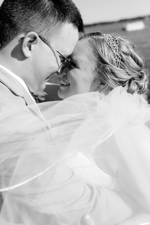 Lake Park Lutheran Church and Holiday Inn Detroit Lakes, Lakeside Wedding by Amber Langerud Photography | Vanessa & Eric