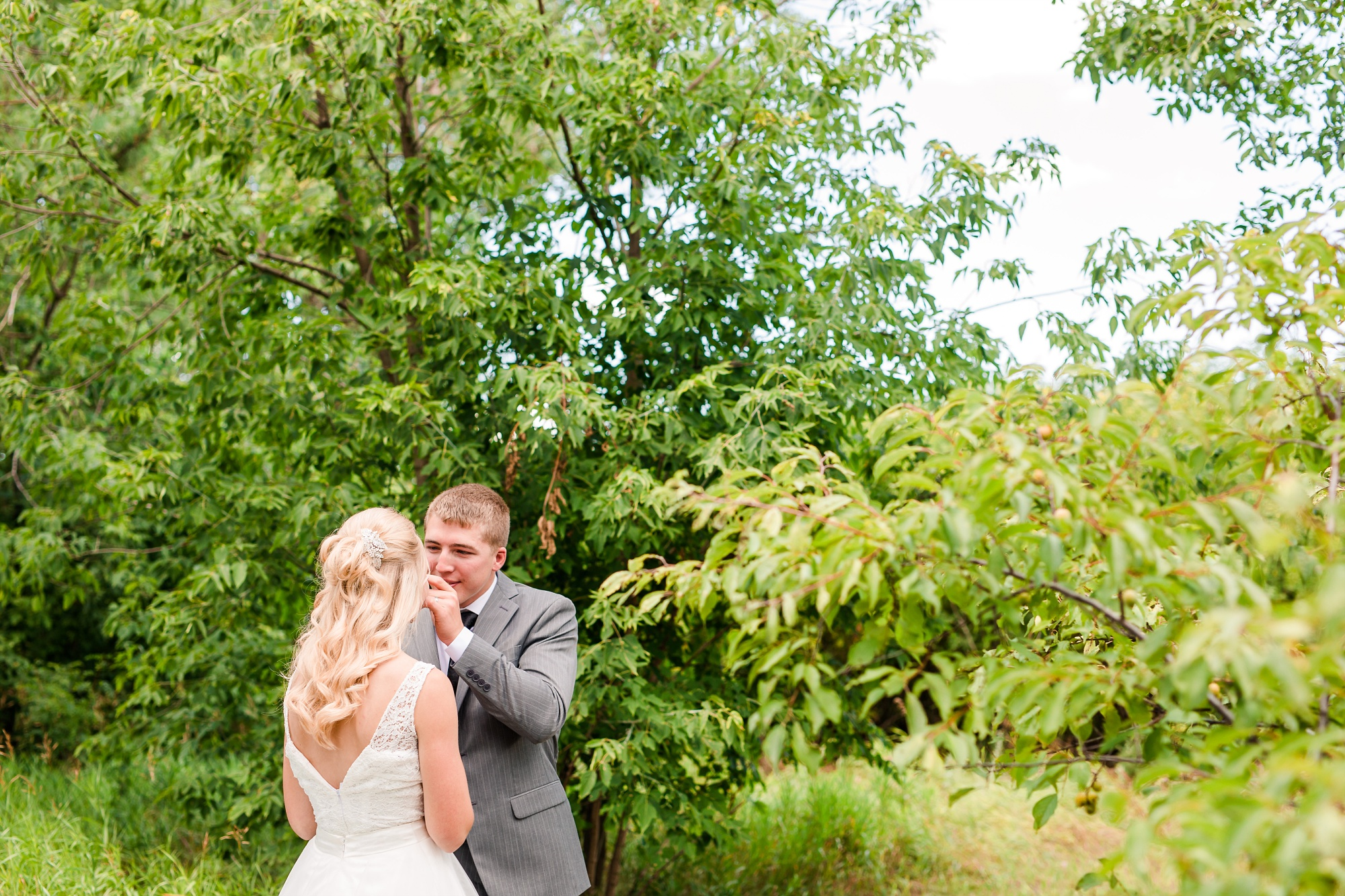 Backyard Frazee, MN Wedding with Frazee Event Center Reception by Amber Langerud | Ellie & Erik