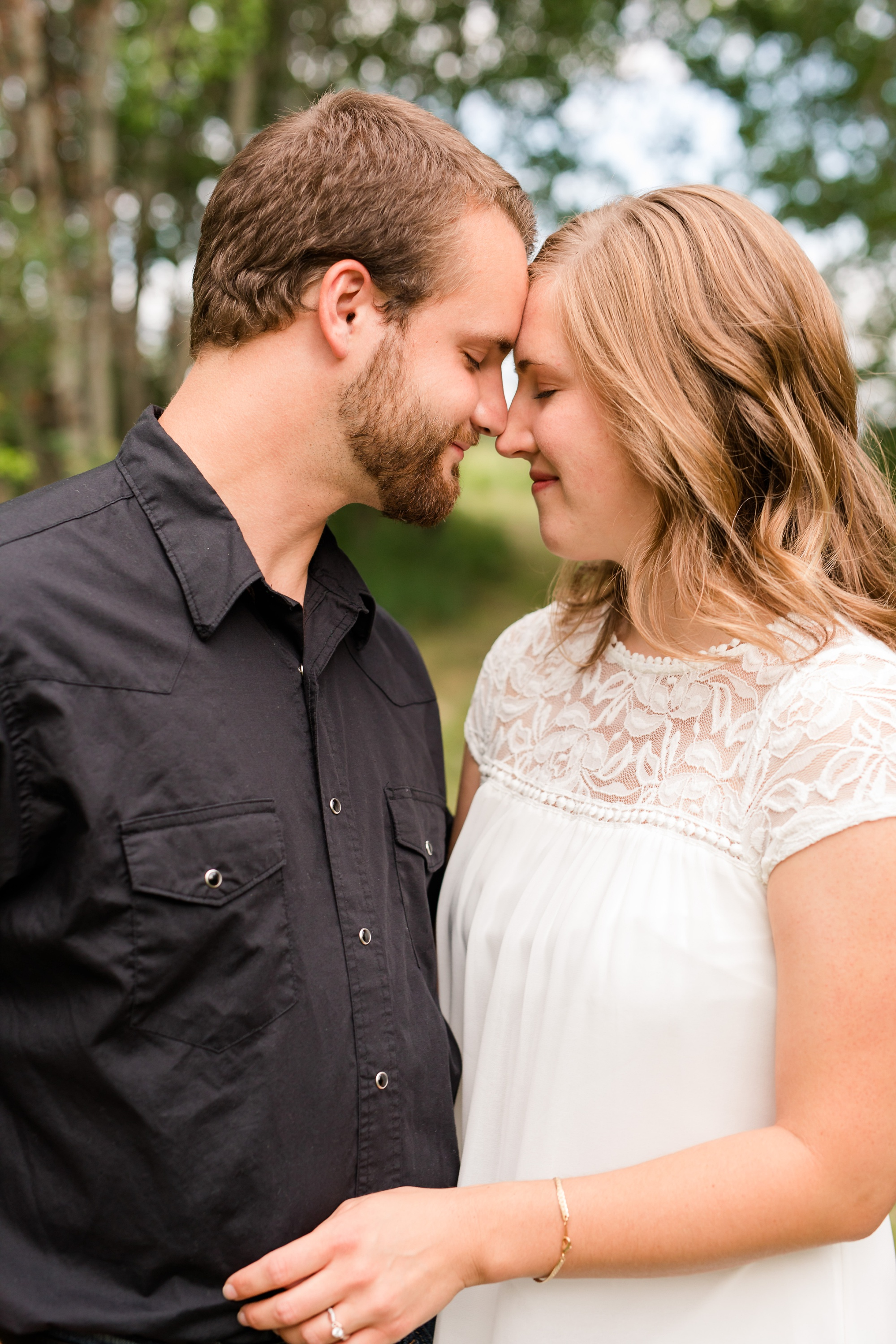 AmberLangerudPhotography_Countryside Engagement Session in Minnesota_3084.jpg