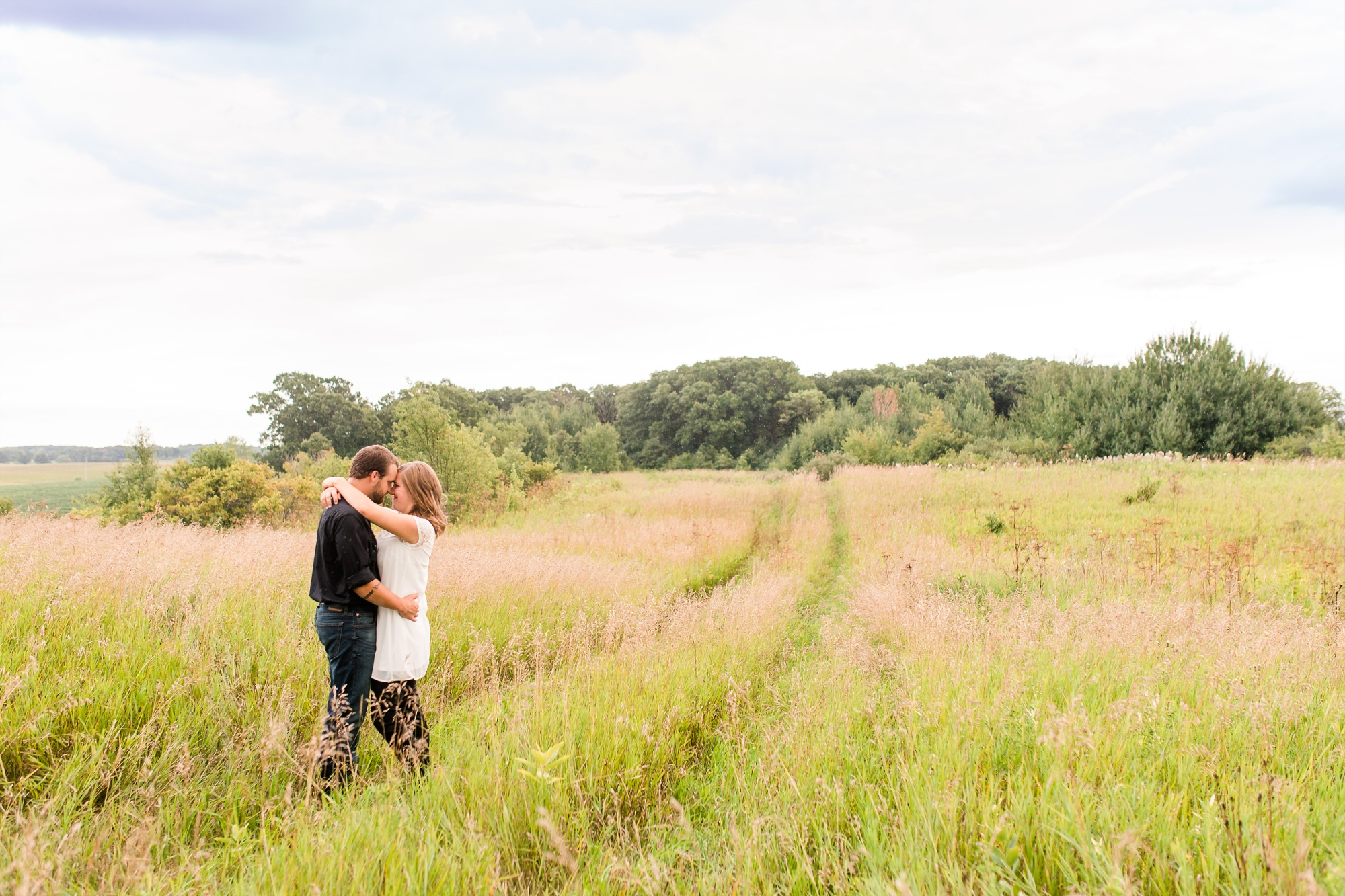 AmberLangerudPhotography_Countryside Engagement Session in Minnesota_3091.jpg