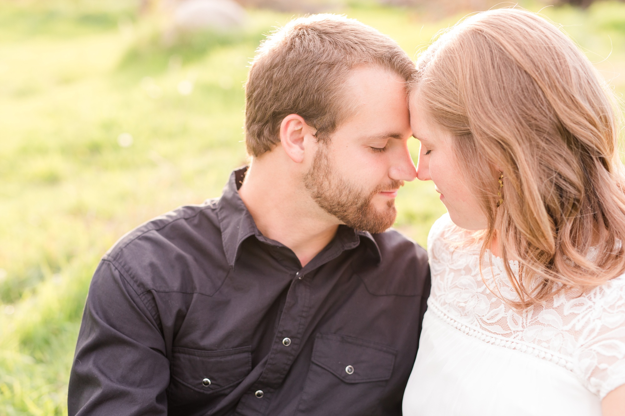 AmberLangerudPhotography_Countryside Engagement Session in Minnesota_3100.jpg