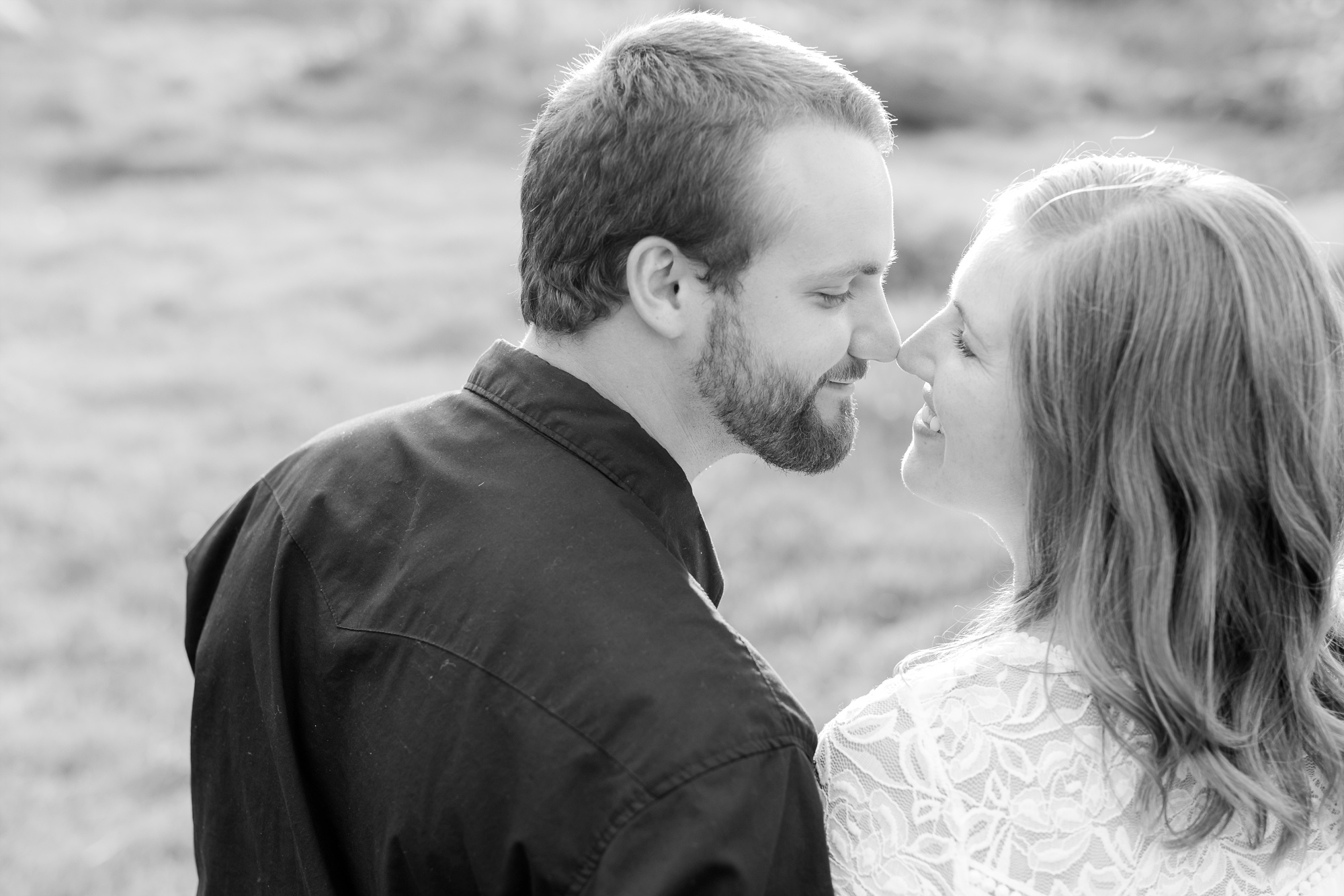 AmberLangerudPhotography_Countryside Engagement Session in Minnesota_3104.jpg