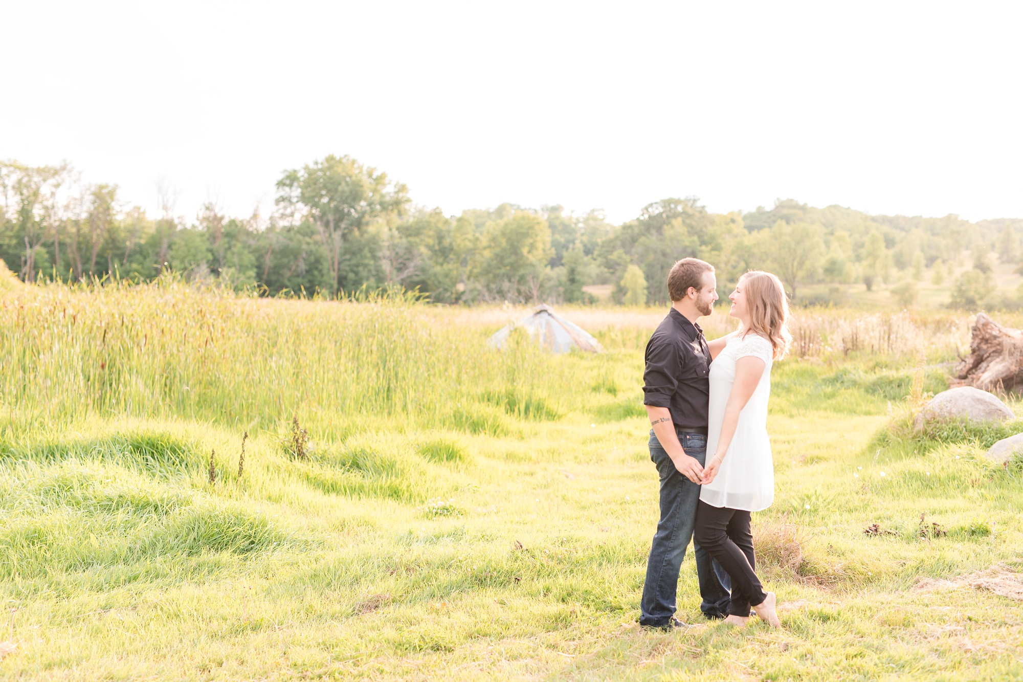 AmberLangerudPhotography_Countryside Engagement Session in Minnesota_3105.jpg