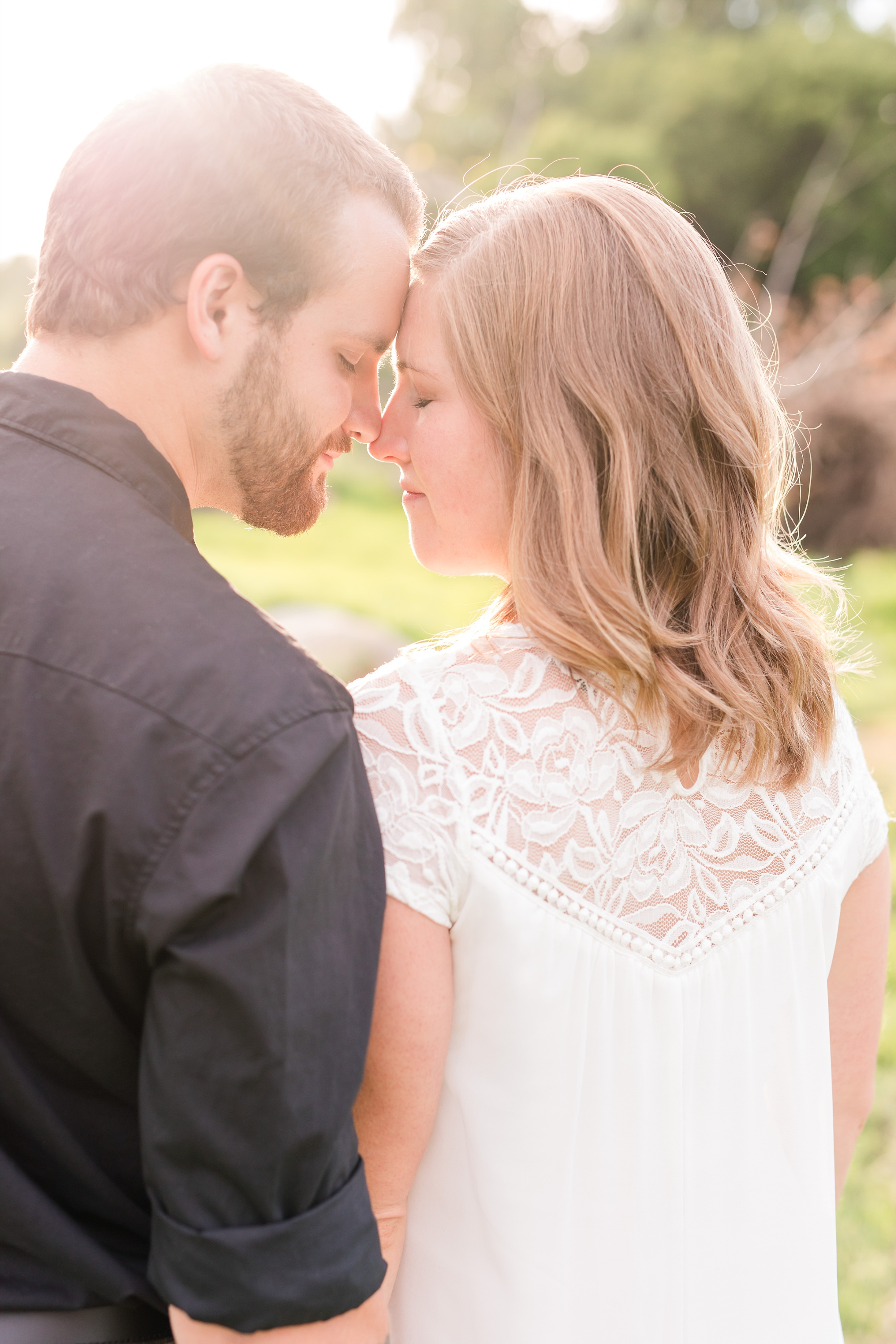 AmberLangerudPhotography_Countryside Engagement Session in Minnesota_3103.jpg