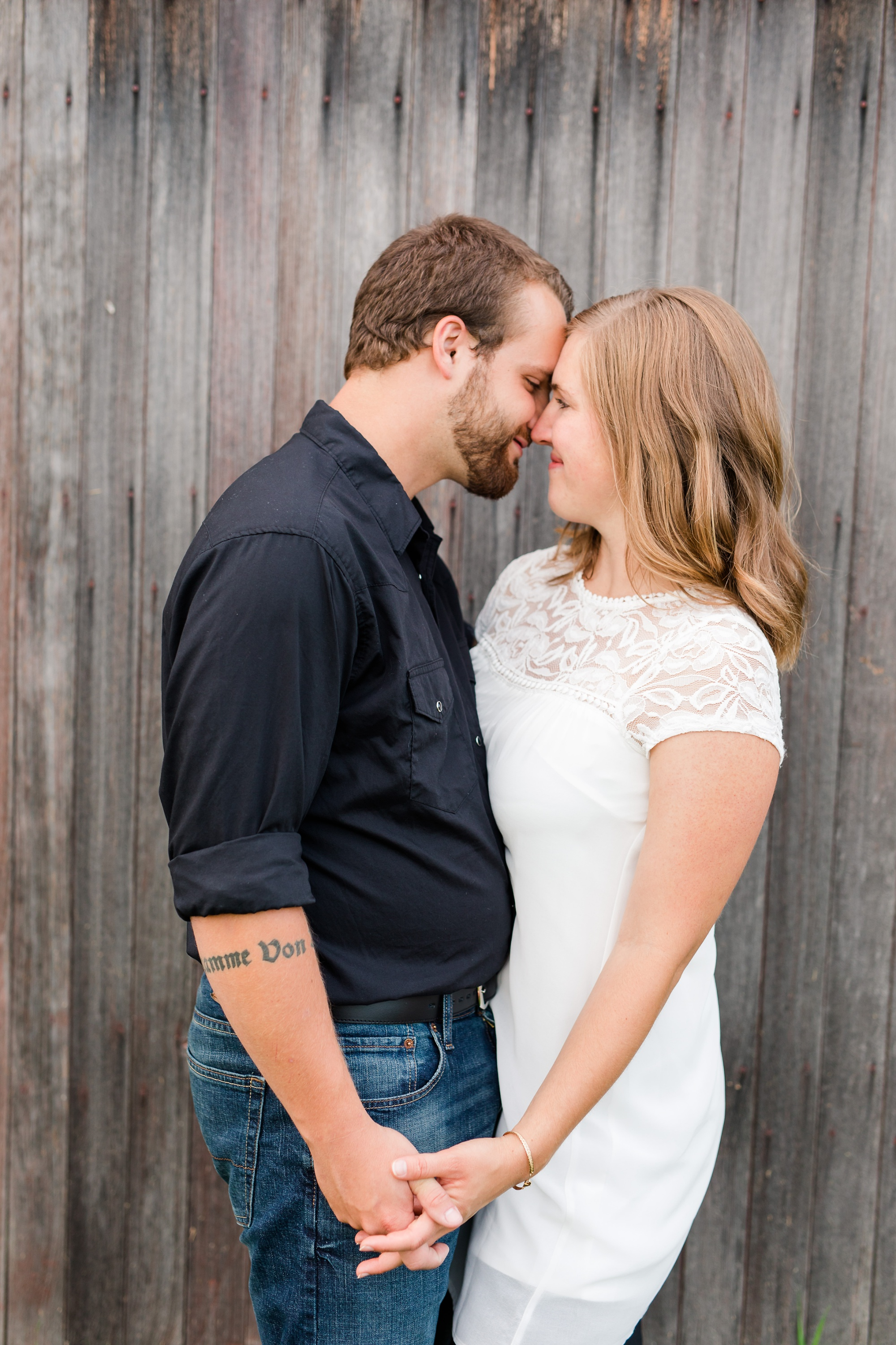 AmberLangerudPhotography_Countryside Engagement Session in Minnesota_3115.jpg