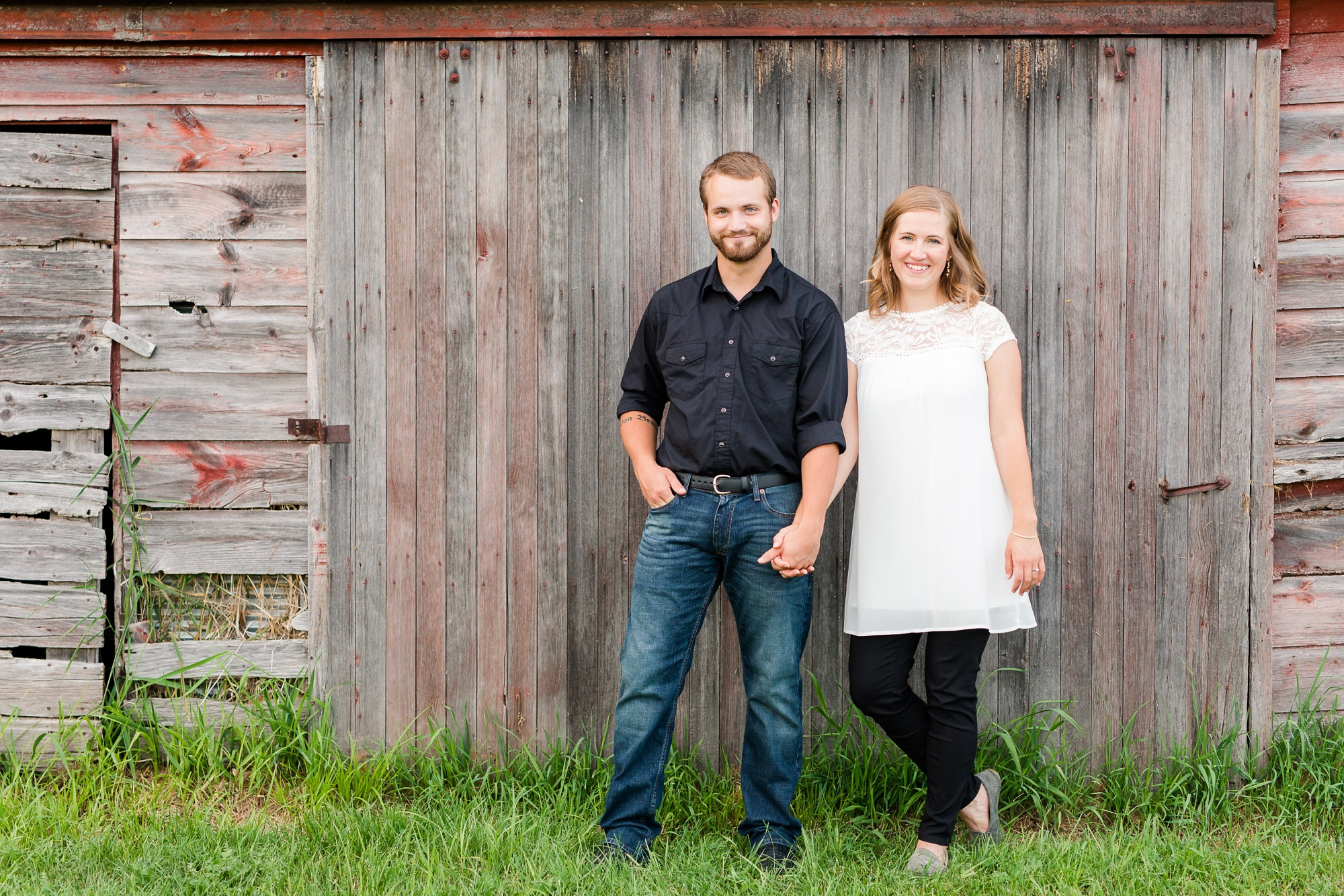 AmberLangerudPhotography_Countryside Engagement Session in Minnesota_3117.jpg