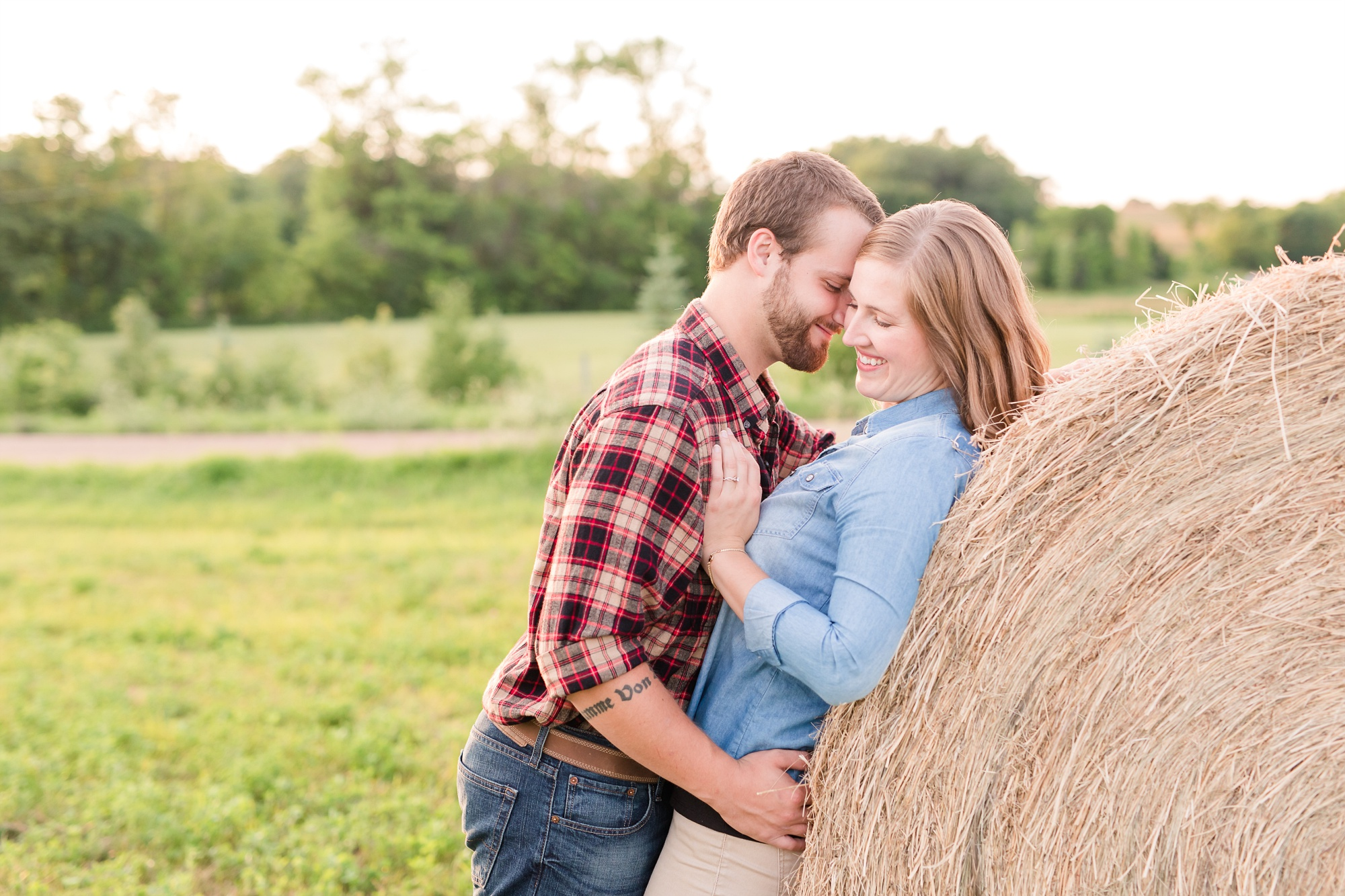 AmberLangerudPhotography_Countryside Engagement Session in Minnesota_3121.jpg