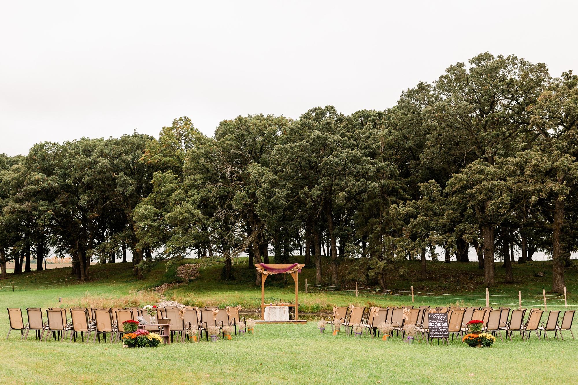 Amber Langerud_Lake Park MN Barn wedding at the Hitching Post_0438.jpg