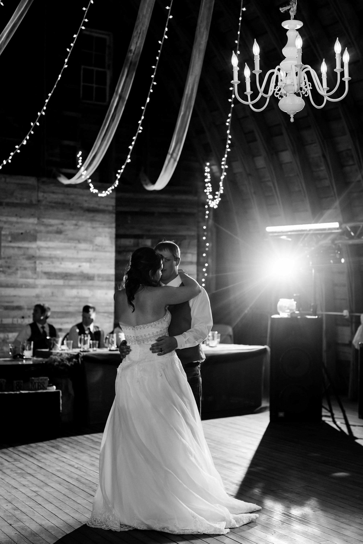 Amber Langerud_Lake Park MN Barn wedding at the Hitching Post_0467.jpg