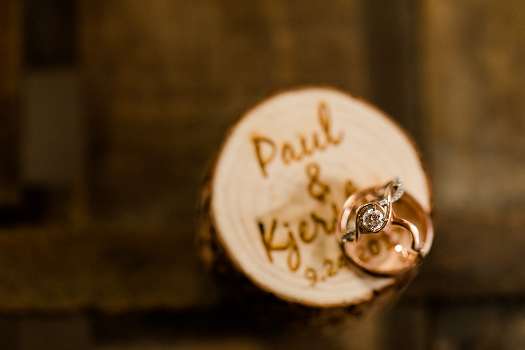AmberLangerudPhotography_Fall, Barn At Dunvilla Wedding with outdoor ceremony_3286.jpg
