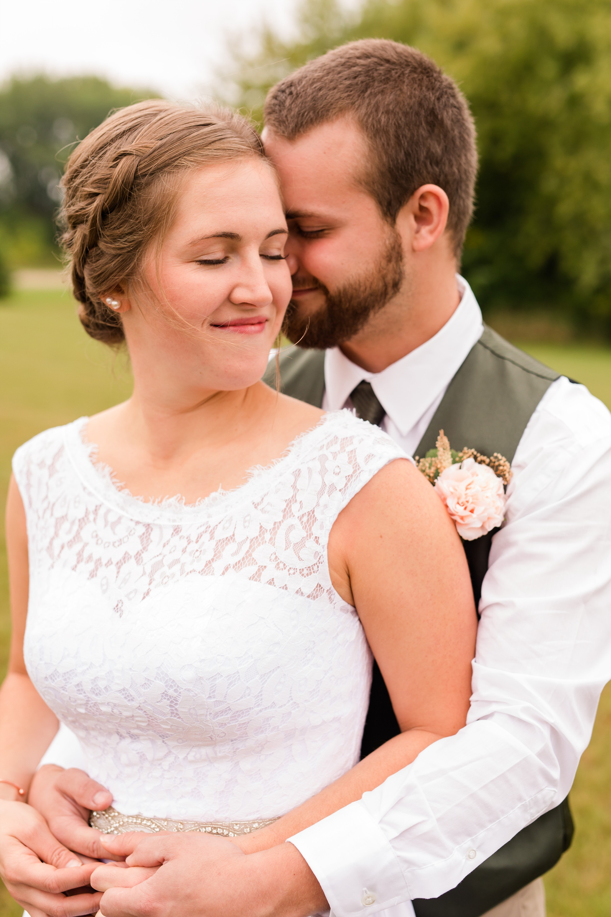 AmberLangerudPhotography_Fall, Barn At Dunvilla Wedding with outdoor ceremony_3299.jpg