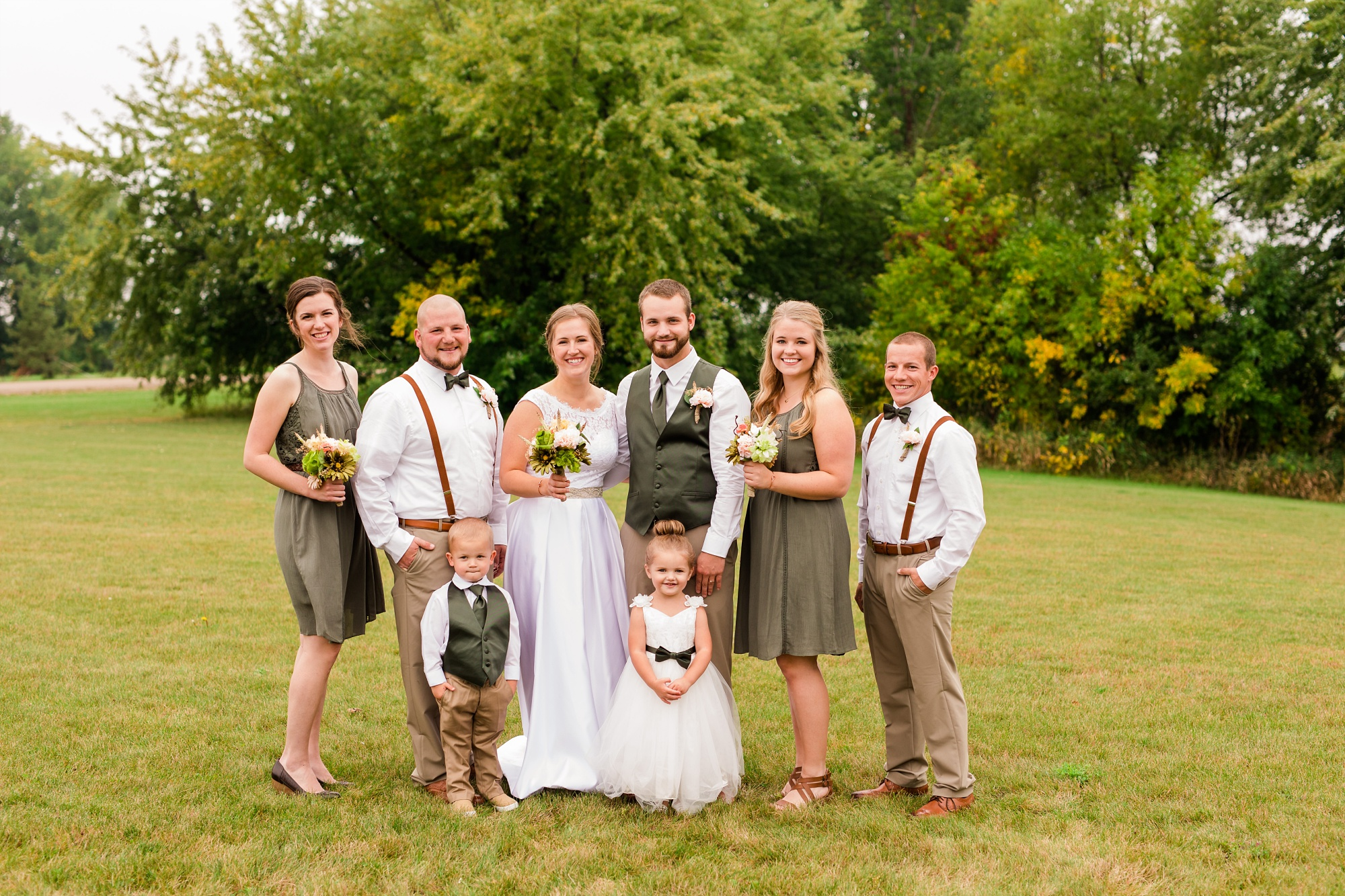 AmberLangerudPhotography_Fall, Barn At Dunvilla Wedding with outdoor ceremony_3306.jpg