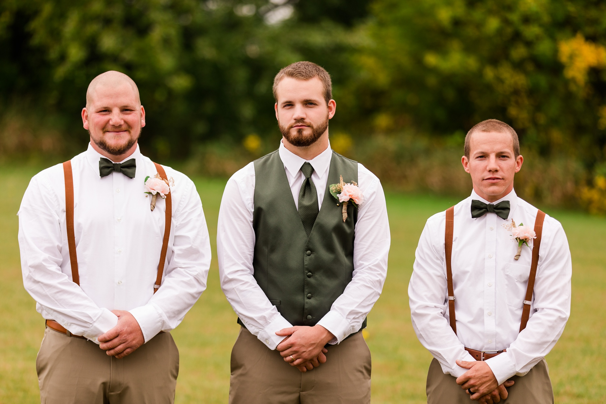 AmberLangerudPhotography_Fall, Barn At Dunvilla Wedding with outdoor ceremony_3312.jpg