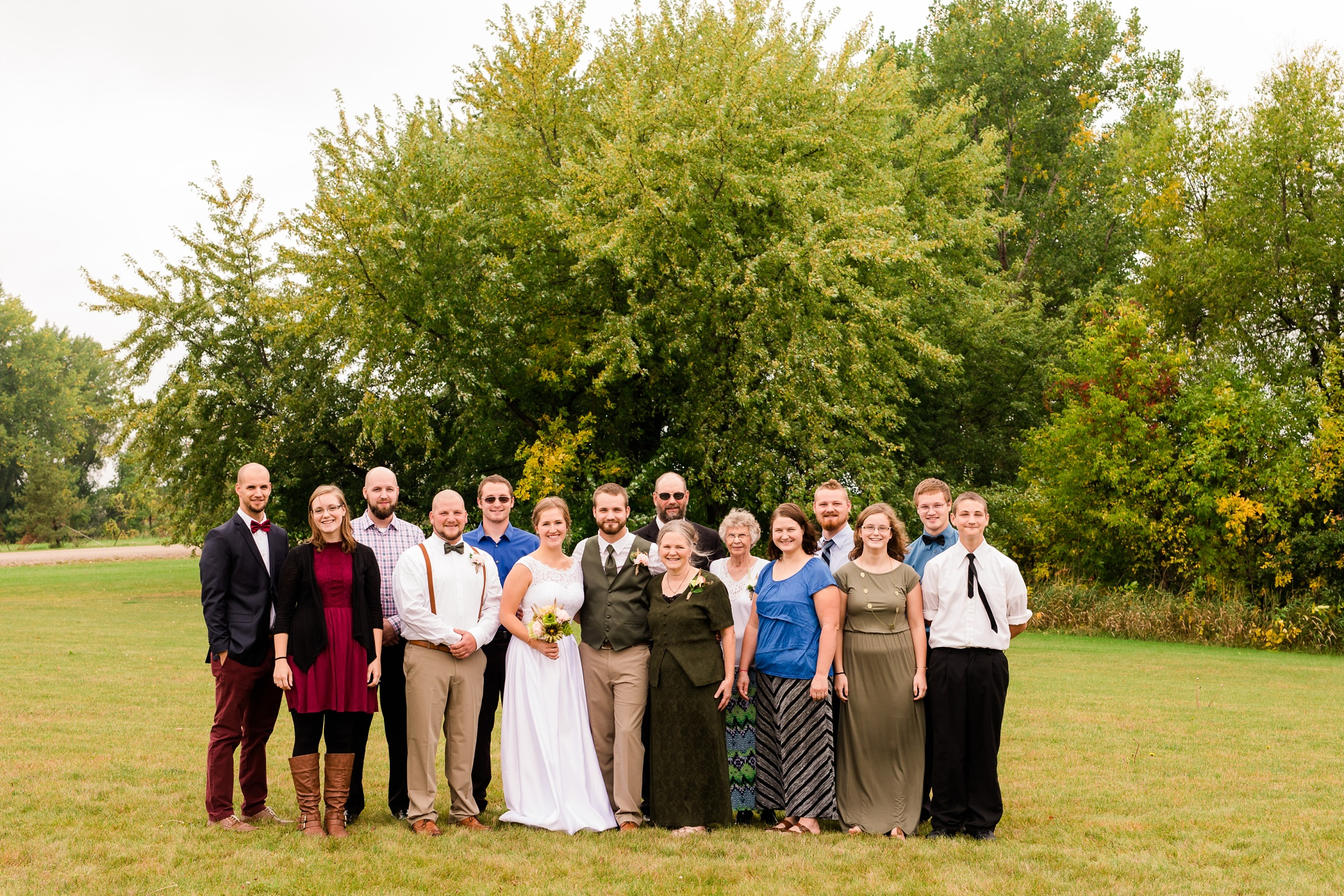 AmberLangerudPhotography_Fall, Barn At Dunvilla Wedding with outdoor ceremony_3319.jpg