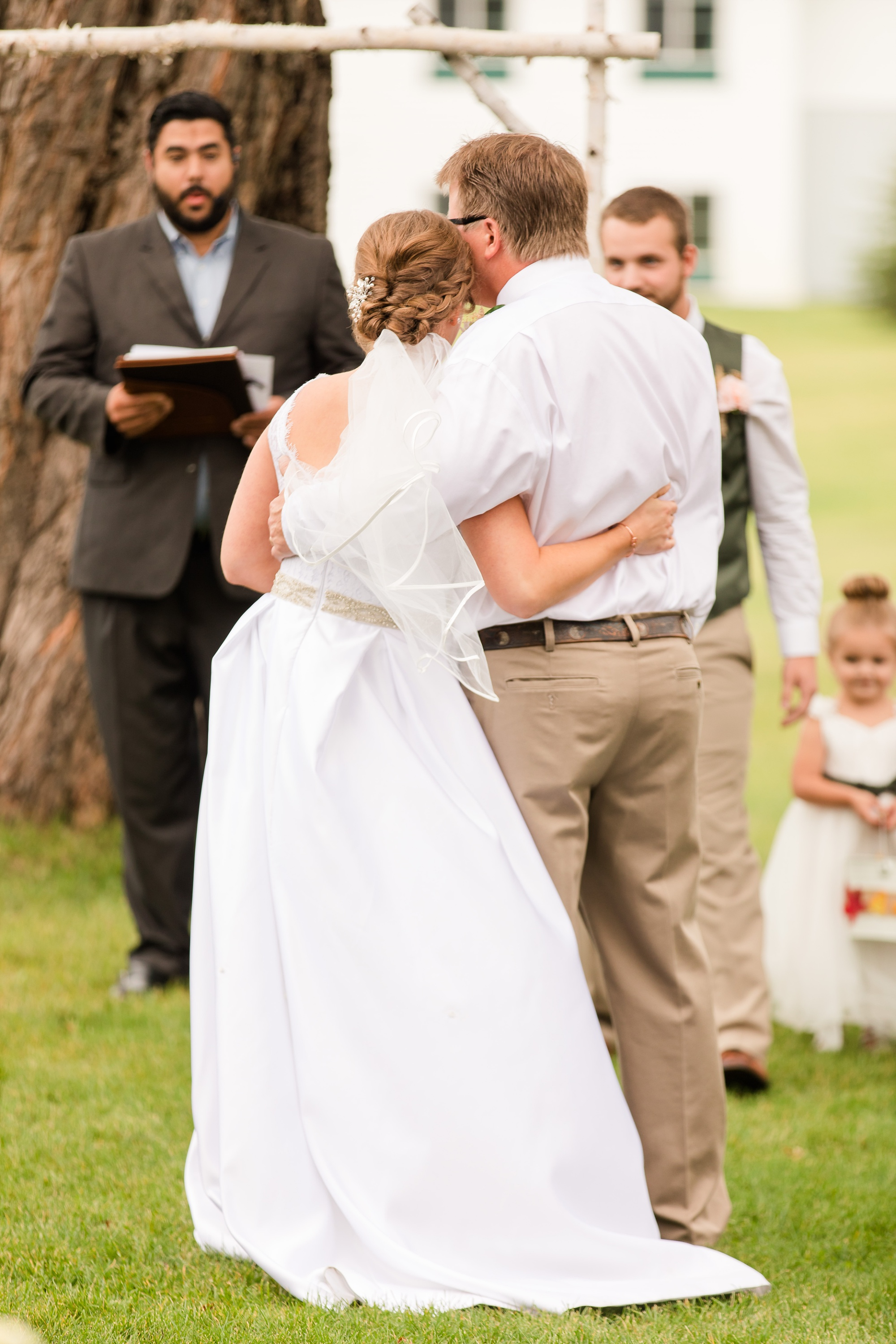 AmberLangerudPhotography_Fall, Barn At Dunvilla Wedding with outdoor ceremony_3337.jpg
