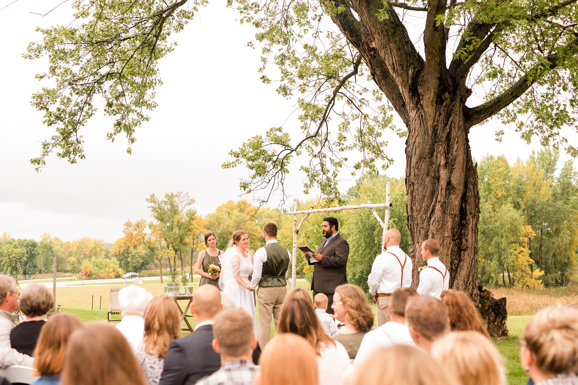 AmberLangerudPhotography_Fall, Barn At Dunvilla Wedding with outdoor ceremony_3344.jpg