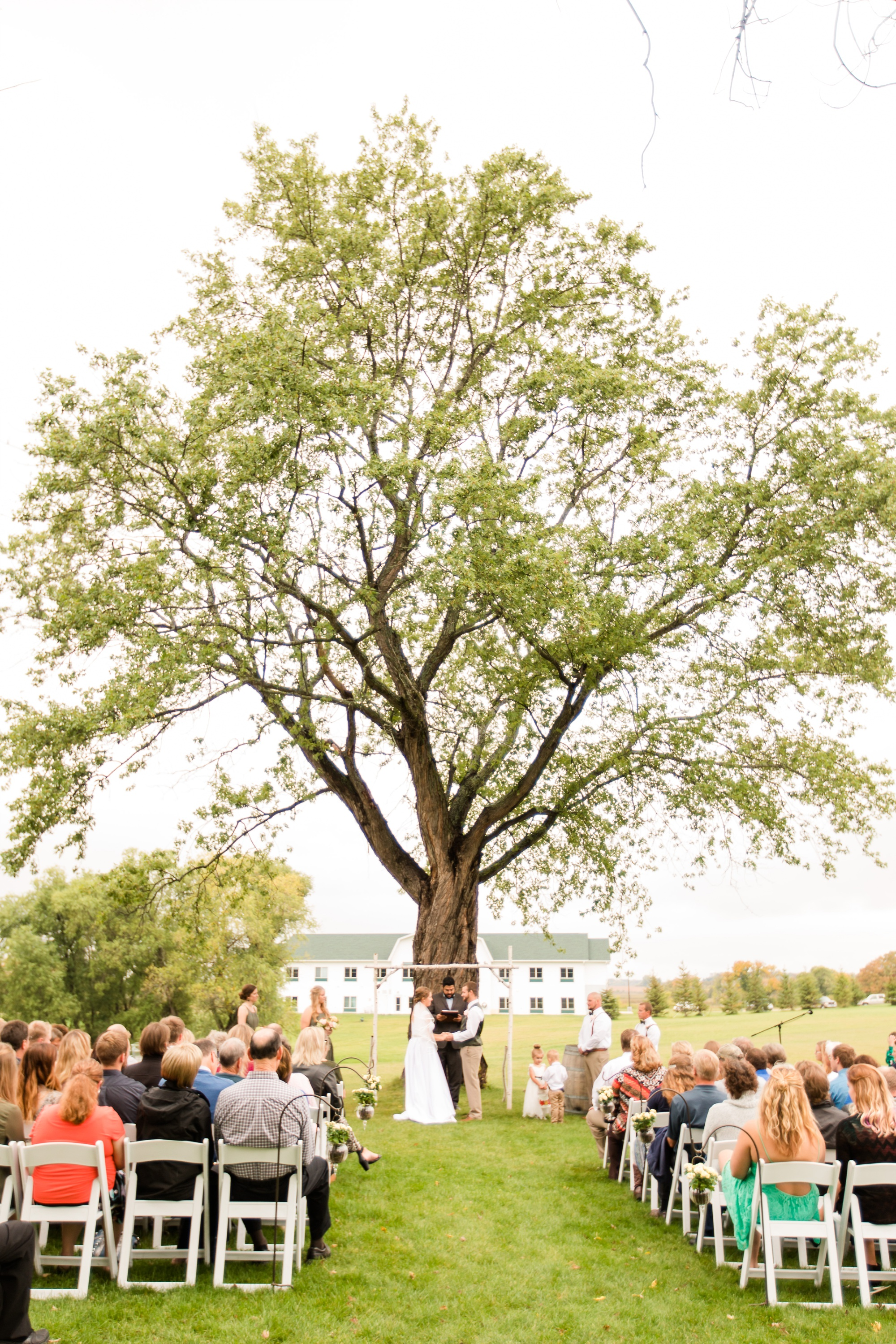 AmberLangerudPhotography_Fall, Barn At Dunvilla Wedding with outdoor ceremony_3341.jpg