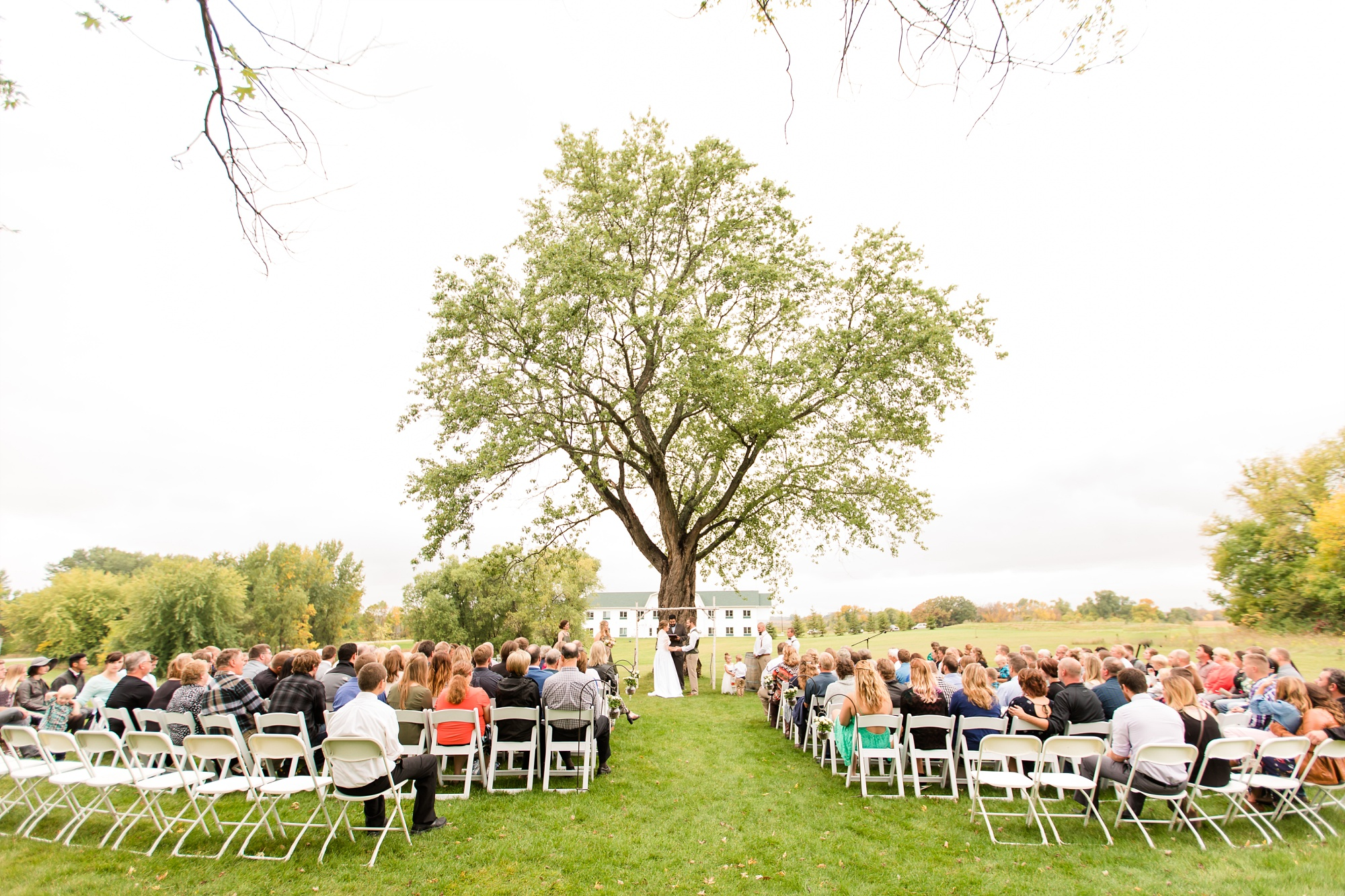 AmberLangerudPhotography_Fall, Barn At Dunvilla Wedding with outdoor ceremony_3346.jpg