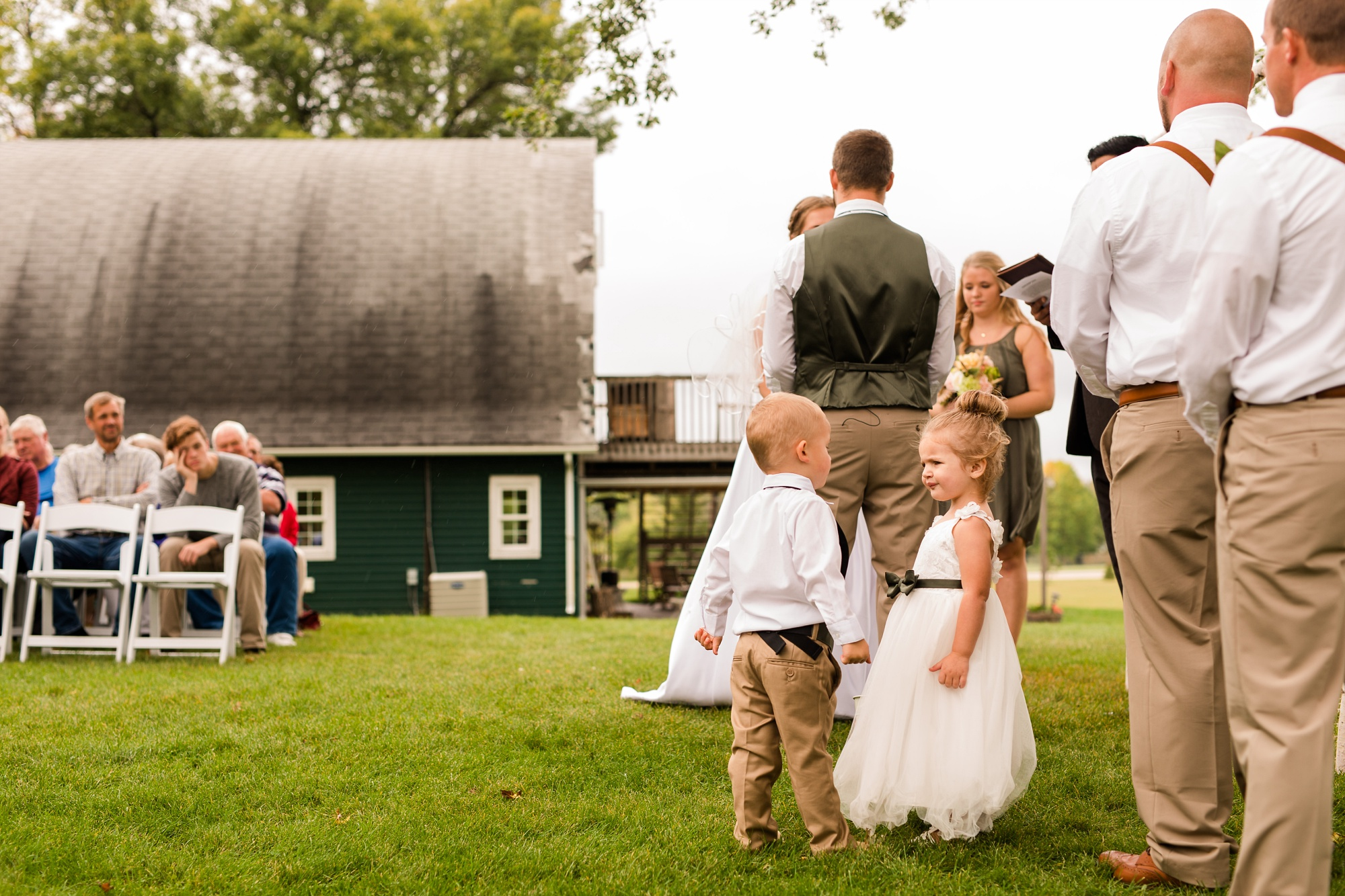 AmberLangerudPhotography_Fall, Barn At Dunvilla Wedding with outdoor ceremony_3345.jpg