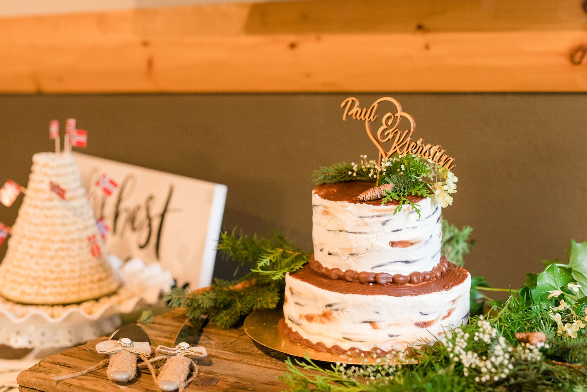 AmberLangerudPhotography_Fall, Barn At Dunvilla Wedding with outdoor ceremony_3355.jpg
