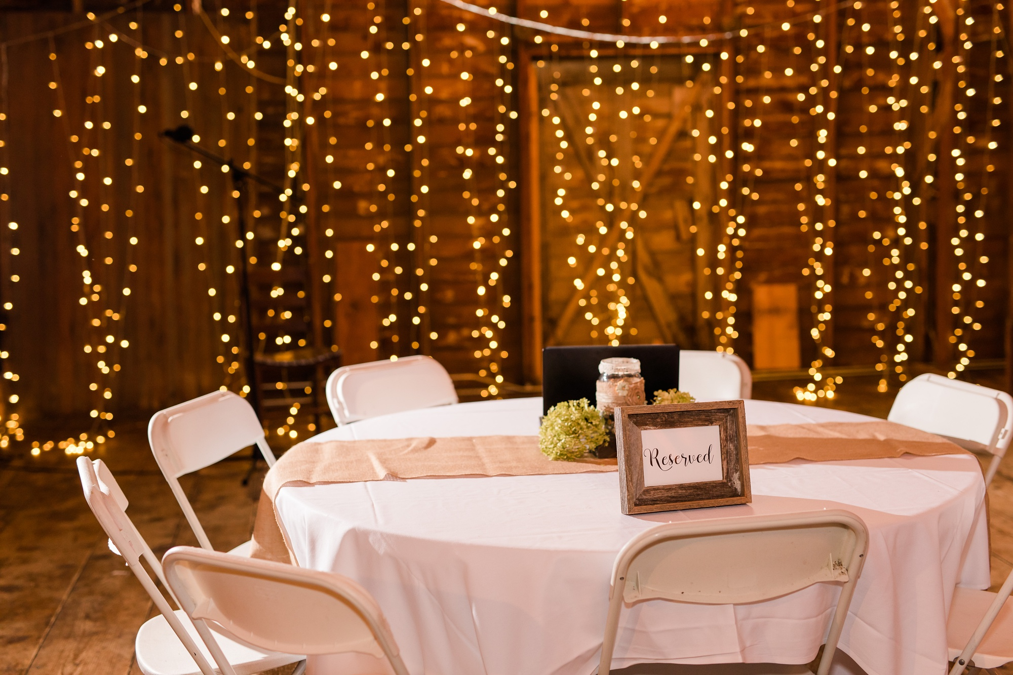 AmberLangerudPhotography_Fall, Barn At Dunvilla Wedding with outdoor ceremony_3361.jpg