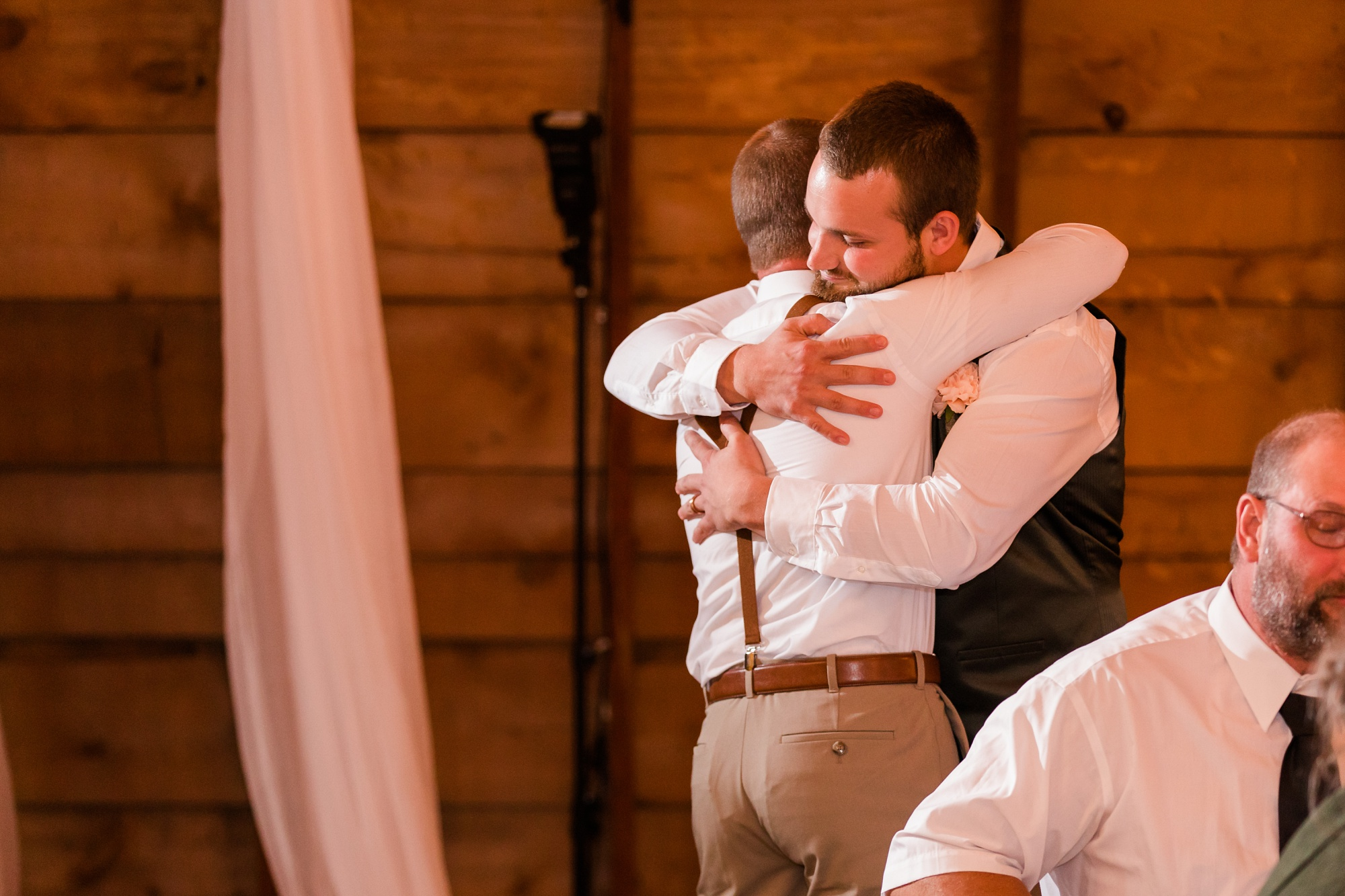 AmberLangerudPhotography_Fall, Barn At Dunvilla Wedding with outdoor ceremony_3371.jpg