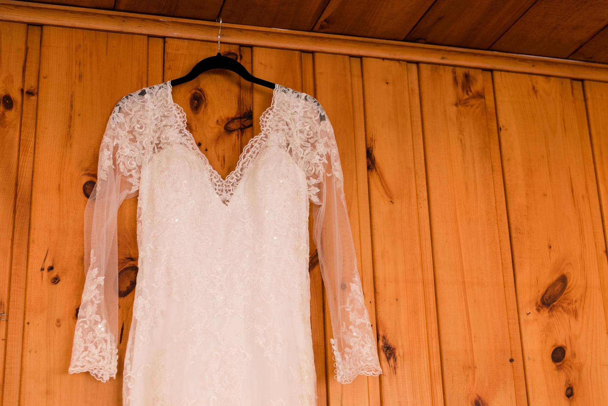 AmberLangerudPhotography_Fair Hills Resort Lakeside Wedding in Minnesota_3411.jpg